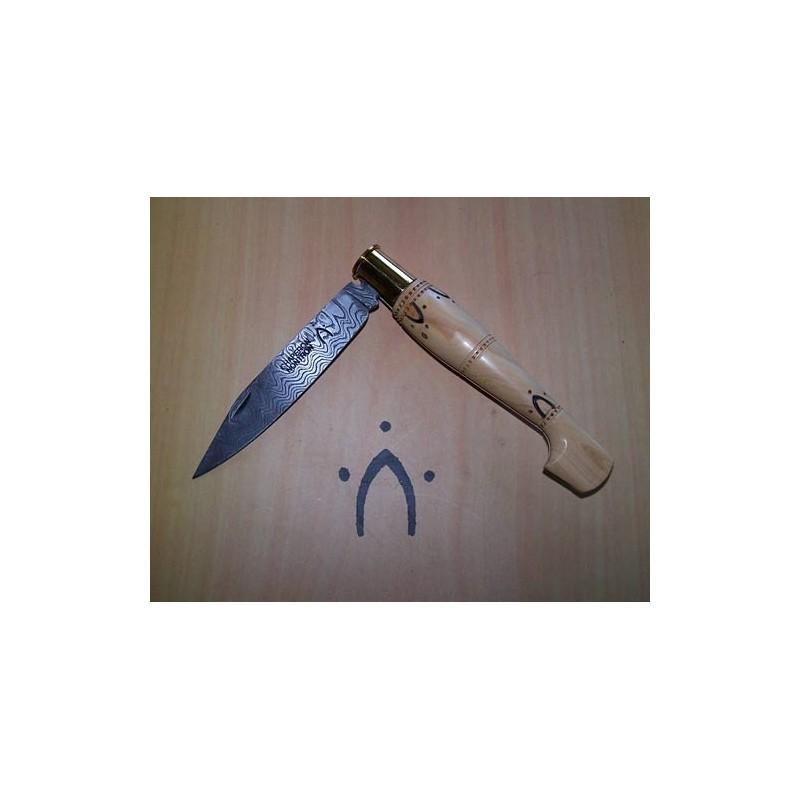 Couteaux Nontron Damas manche sabot en buis gravé